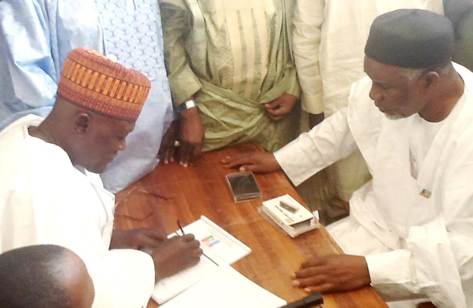 GOV. NYAKO REGISTERS AS APC MEMBER IN MAYO, ADAMAWA copy