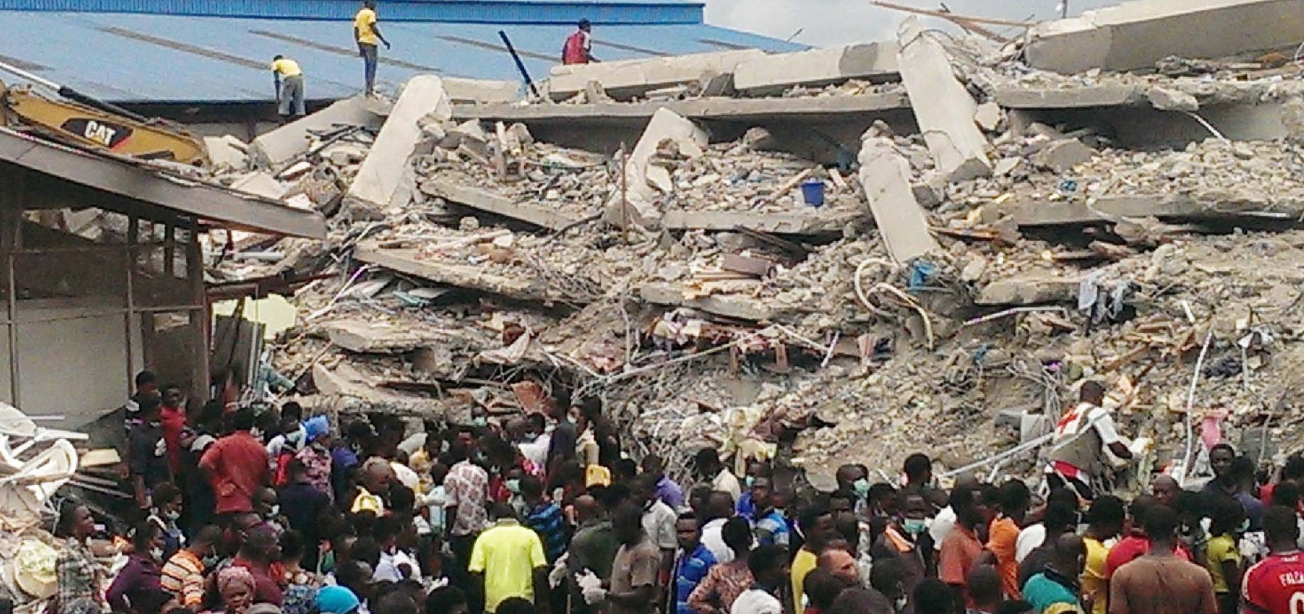 PIC.5.COLLAPSED BUILDING IN LAGOS