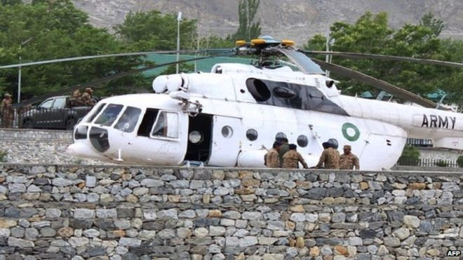 Pakistan-helicopter-crash-victims-brought-to-hospital-here.jpg