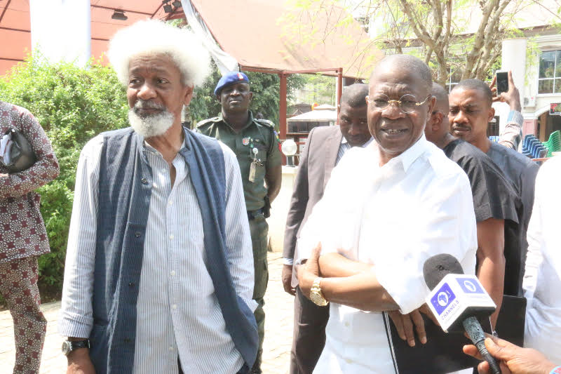 Wole-Soyinka-and-Lai-Mohammed.jpg