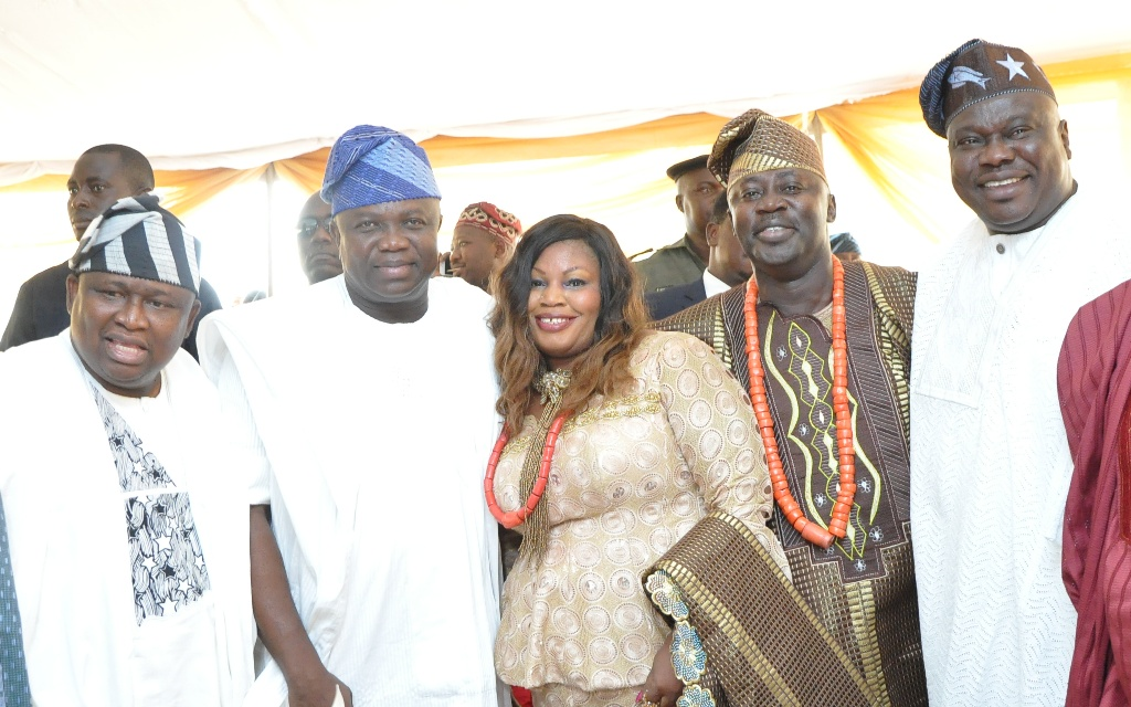 L-R: Lagos State Governor, Mr. Akinwunmi Ambode (2nd left), with Senator Olamilekan Solomon of Lagos West Senatorial District; Wife of Chief Press Secretary to Lagos State Governor, Mrs. Felicia Aruna; her husband, Mr. Habib Aruna and former Speaker of Lagos State House of Assembly, Rt. Hon. Adeyemi Ikuforiji, during the Final Burial Ceremony of Late Chief Adamson Aruna, at Trans-Amusement Park, Old Airport Road, Samonda, U.I Road, Ibadan, on Saturday, February 13, 2016.