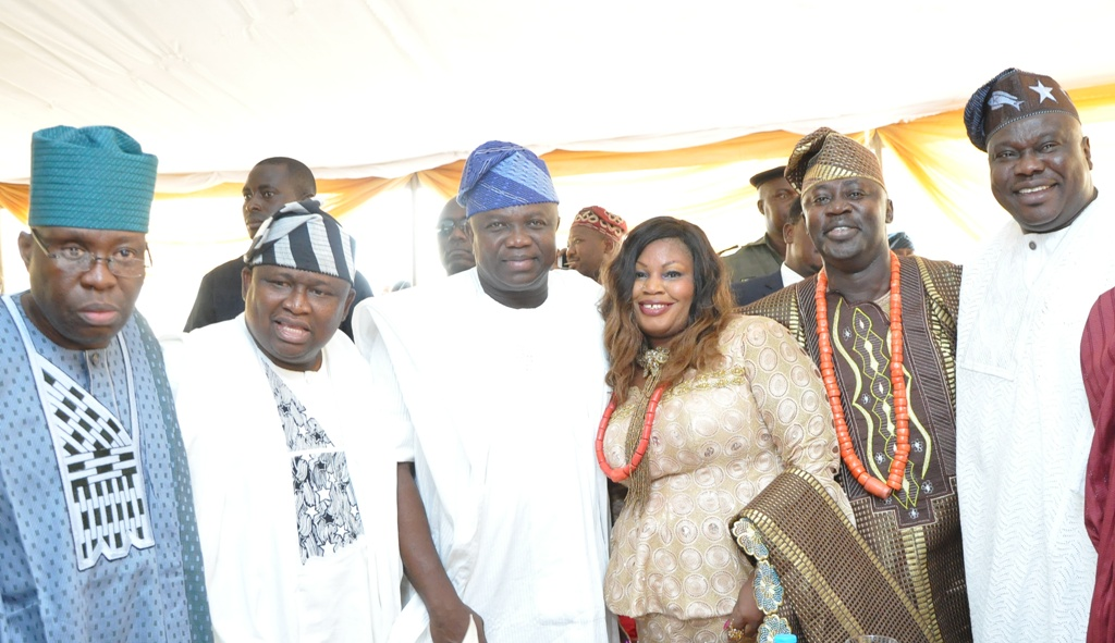 L-R: Lagos State Governor, Mr. Akinwunmi Ambode (2nd left), with Senator Adesoji Akanbi of Oyo South Senatorial District, Senator Olamilekan Solomon of Lagos West Senatorial District; Wife of Chief Press Secretary to Lagos State Governor, Mrs. Felicia Aruna; her husband, Mr. Habib Aruna and former Speaker of Lagos State House of Assembly, Rt. Hon. Adeyemi Ikuforiji, during the Final Burial Ceremony of Late Chief Adamson Aruna, at Trans-Amusement Park, Old Airport Road, Samonda, U.I Road, Ibadan, on Saturday, February 13, 2016.