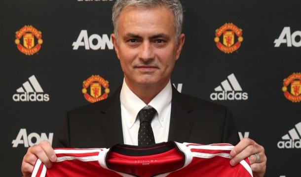 Man U unveil Jose Mourinho as Manager, + Photo