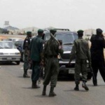 nigerian-policemen-at-roadblock