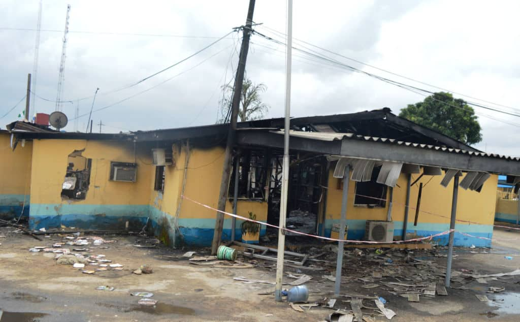 PIC-14.-FIRE-INCIDENT-AT-FAAN-HEADQUARTERS-IN-LAGOS-1024x634.jpg