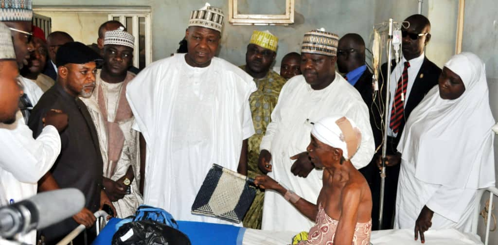 PIC-23.-FROM-LEFT-SPEAKER-HOUSE-OF-REPRESENTATIVE-RT.-HON.-YAKUBU-DOGARA-CONGRATULATING-AN-ACCIDENT-VICTIM-HAUWA-AHMED-DURING-COURTESY-VISIT-AT-ATBUTH-IN-BAUCHI-ON-FRIDAY..1-e1494050200629-1024x504.jpg