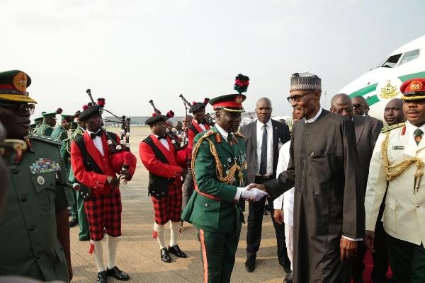 Buhari's return: Pro-Buhari protesters block Airport Road